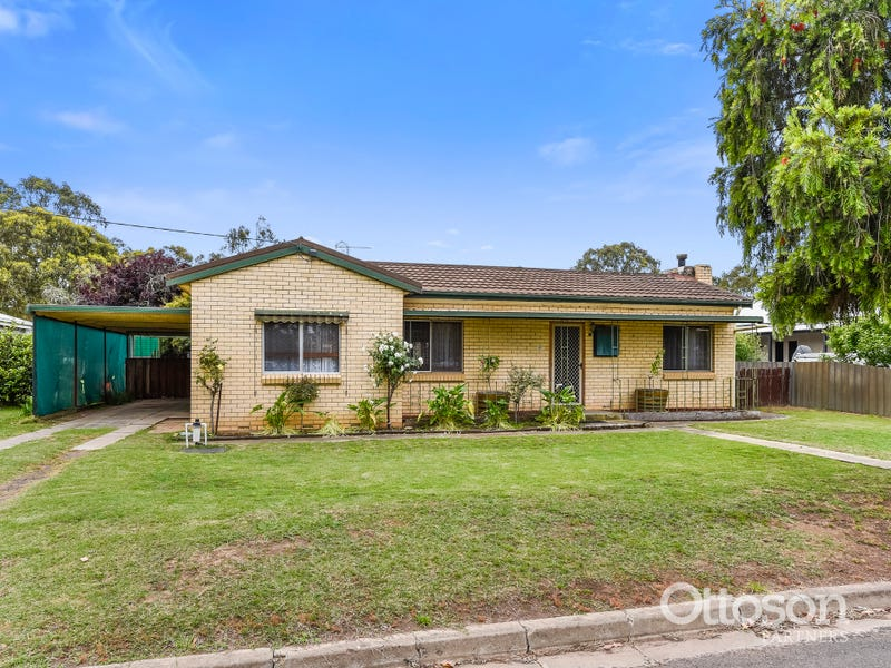 40 Wallace Street, Apsley, Vic 3319
