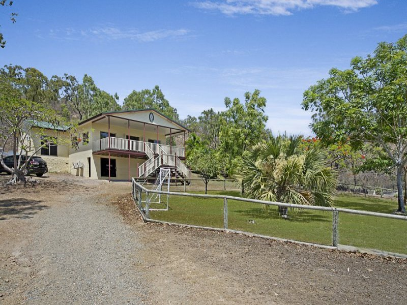 9 Brady Road, Oak Valley, Qld 4811