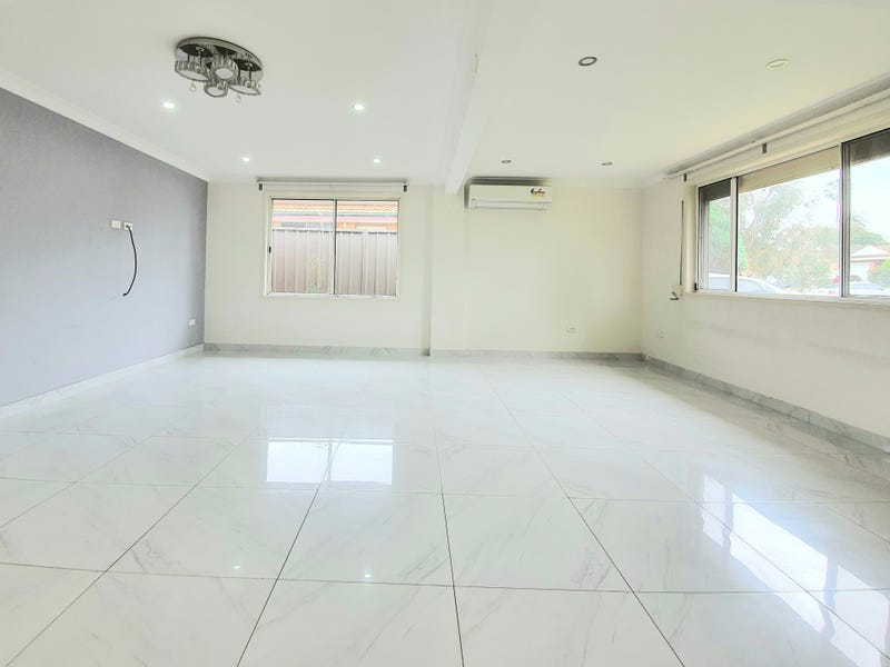 10 Harrier Ave, Green Valley, NSW 2168