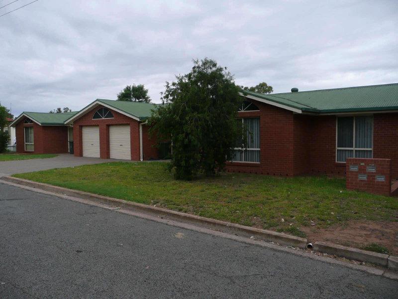 120-124 Larmer Street, Narrandera, NSW 2700