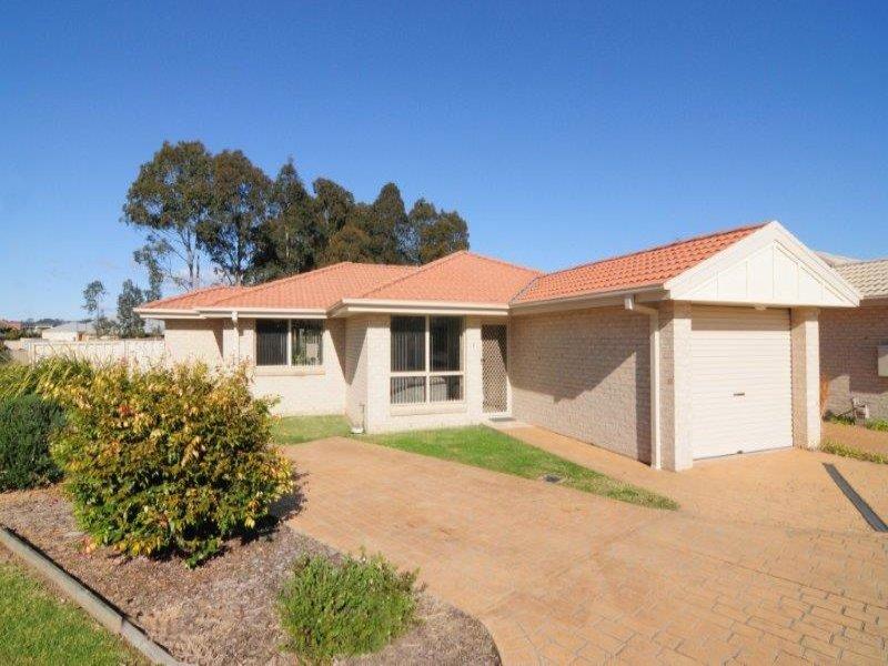 1/73-75 Rayleigh Drive, Worrigee, NSW 2540