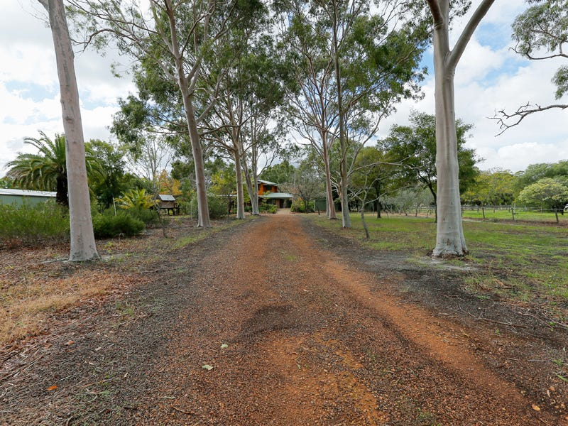 29 Crystal Brook Road, Wattle Grove, WA 6107