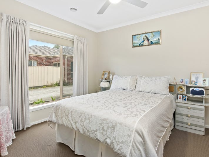 2/13-15 Learmonth Street, Alfredton, Vic 3350