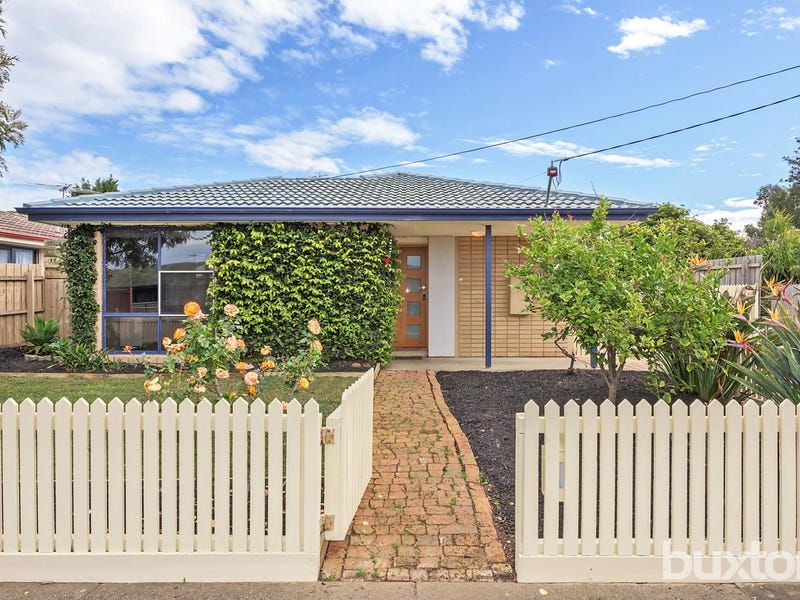9 Lovell Court, Whittington, Vic 3219