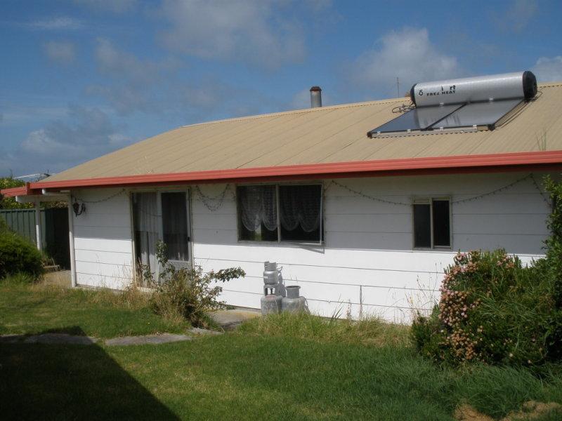 20 Barr Street, Lady Barron, Flinders Island, Tas 7255