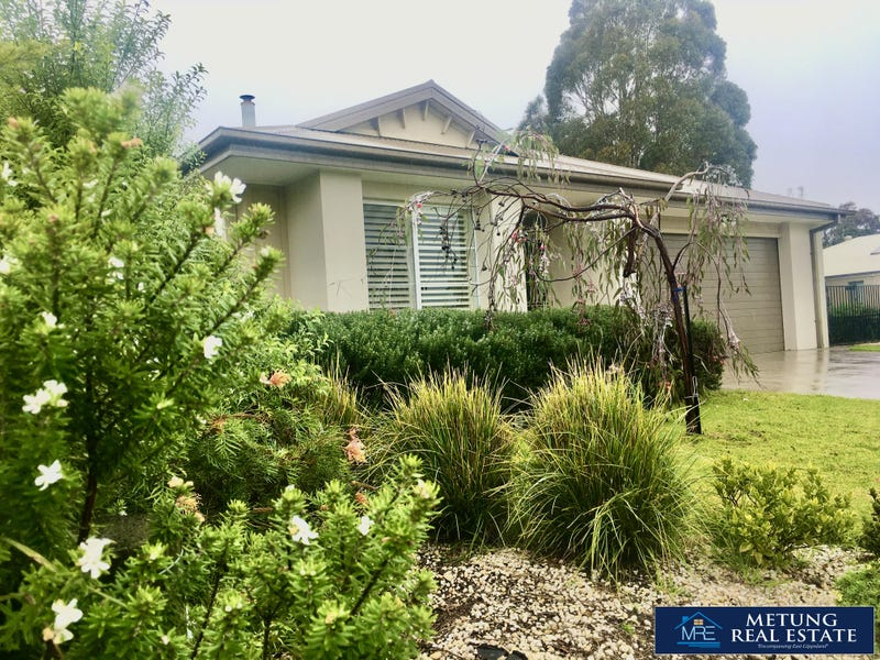 5 The Plateau, Metung, Vic 3904