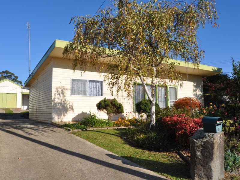 5 Russell Street, Tumut, NSW 2720