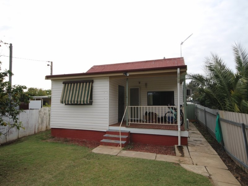 13 Henry Street, North Wagga Wagga, NSW 2650