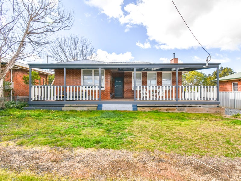 11 Hill Street, West Bathurst, NSW 2795