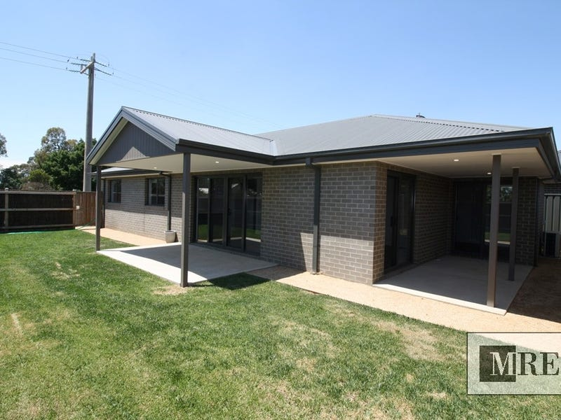 1 Highton Lane, Mansfield, Vic 3722