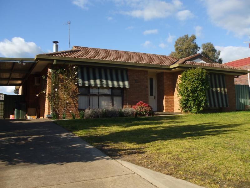 8 Cedar Crescent, Tumut, NSW 2720