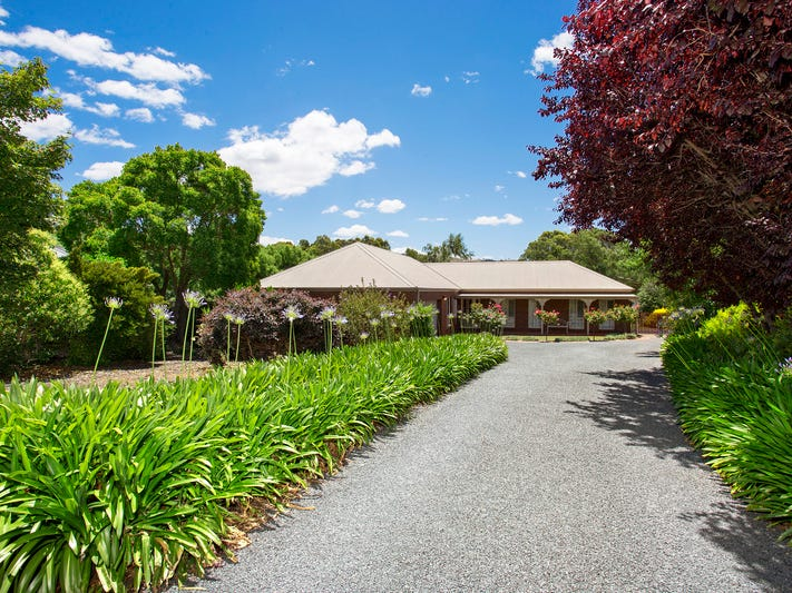 5 Larsen Court, Tallangatta, Vic 3700