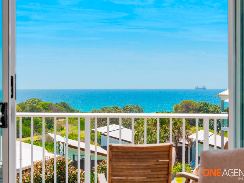. Villa 25 or 2 Island Outlook, Caves Beach, NSW 2281