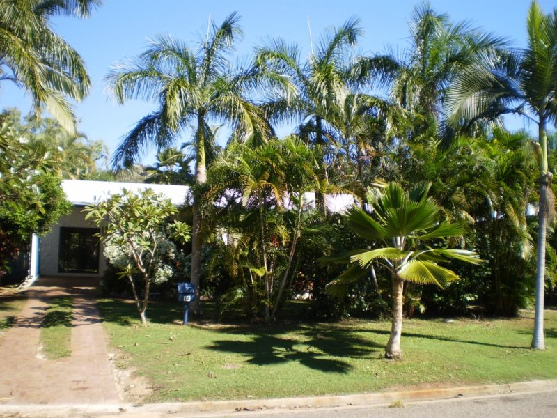 14 Compass Crescent  Nelly Bay, Nelly Bay, Qld 4819