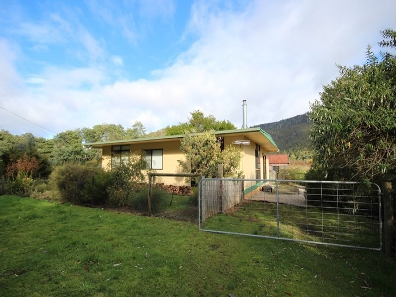 14 Cairns Road, Surges Bay, Tas 7116