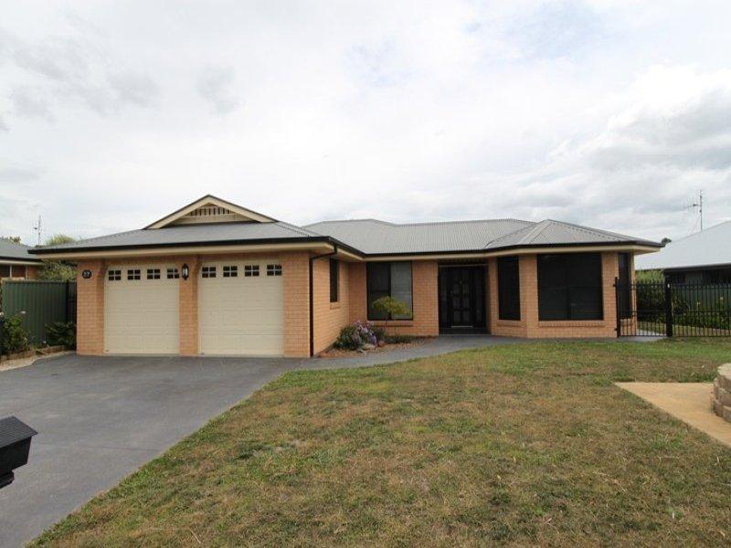 27 Roxburgh Drive, Kelso, NSW 2795