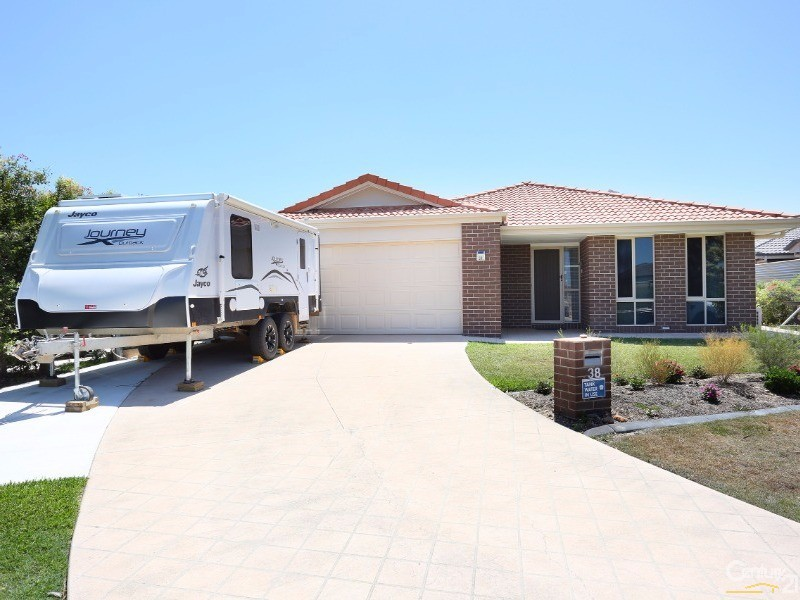 38 Eimeo Place, Sandstone Point, Qld 4511