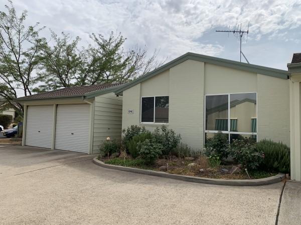 1/4 Brudenell Drive, Jerrabomberra, NSW 2619
