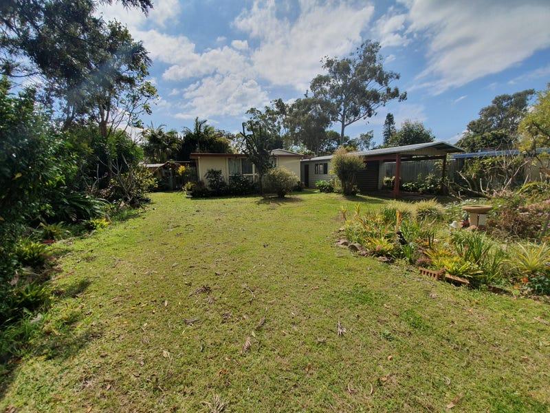 12 Ninth Avenue, Stuarts Point, NSW 2441