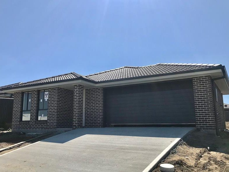15 Reginald Drive, Kootingal, NSW 2352