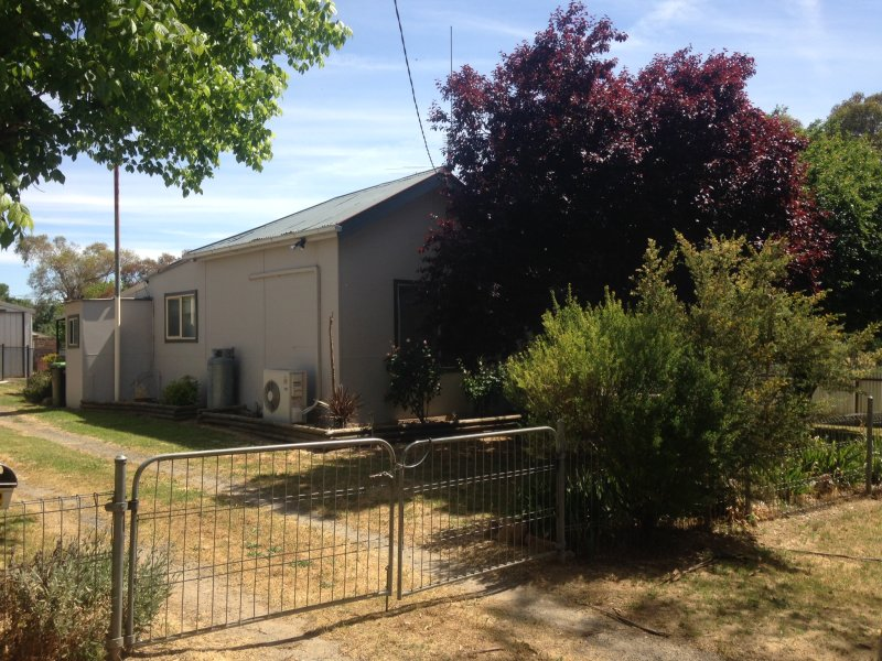 202 Neill street, Harden, NSW 2587