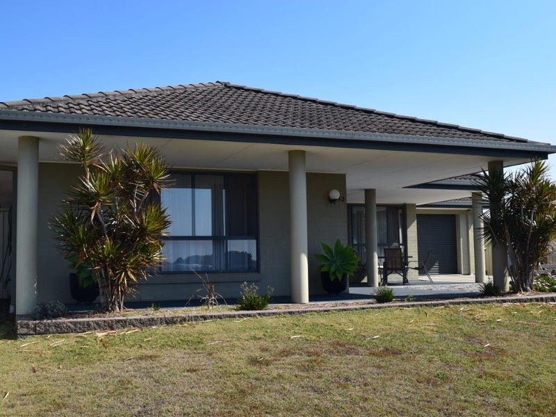 12 North Meadow Drive, Grafton, NSW 2460