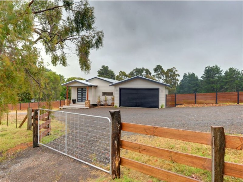 32 Stone Lane, Broomfield, Vic 3364