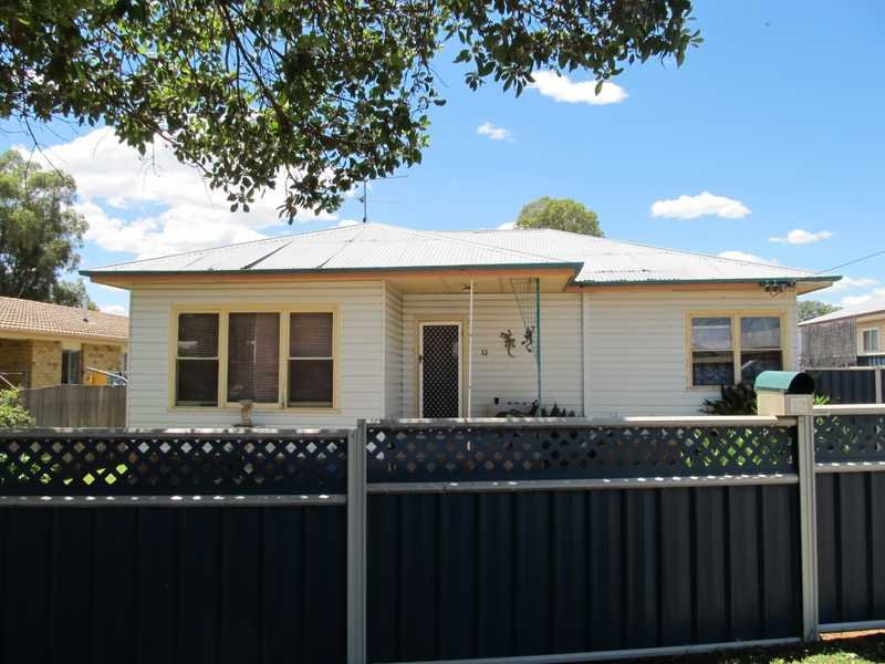 12 Bent Street, West Tamworth, NSW 2340