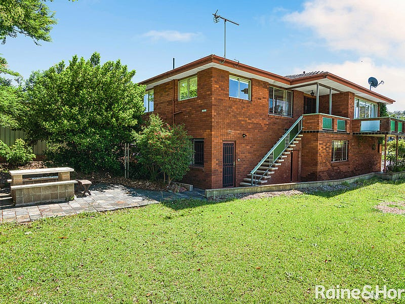 15 Enid Crescent, East Gosford, NSW 2250