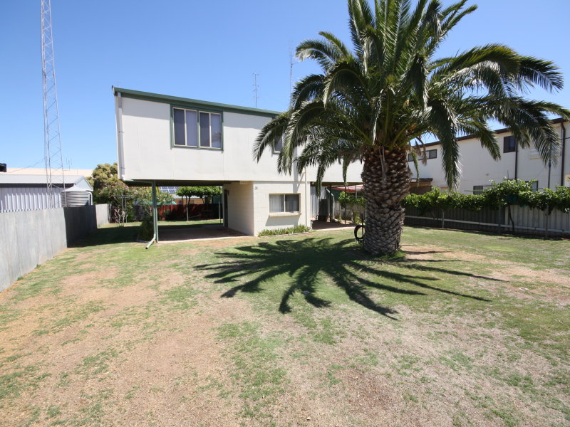 31 Woodforde Drive, North Beach, SA 5556