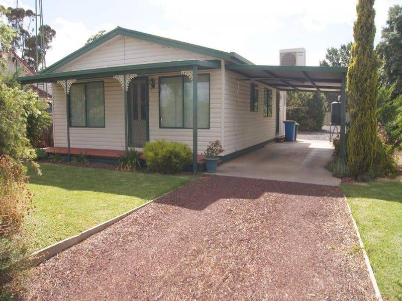 64 Finley Street, Finley, NSW 2713