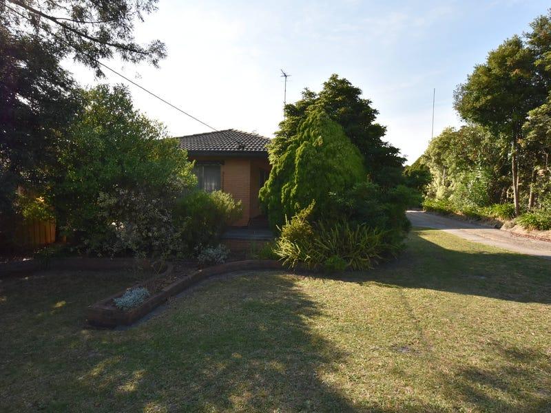 10 Ford Avenue, Newborough, Vic 3825