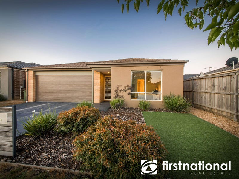 11 Markbeech Crescent, Officer, Vic 3809