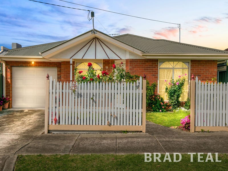11 Bond Street, Hadfield, Vic 3046