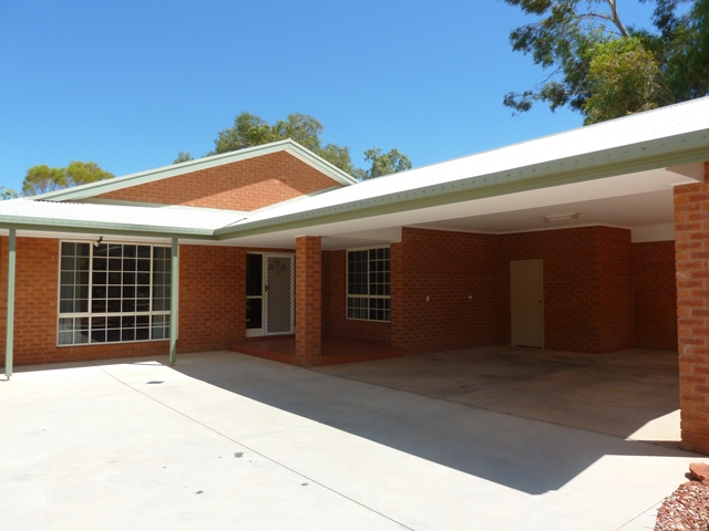 13 The Links, Desert Springs, NT 0870