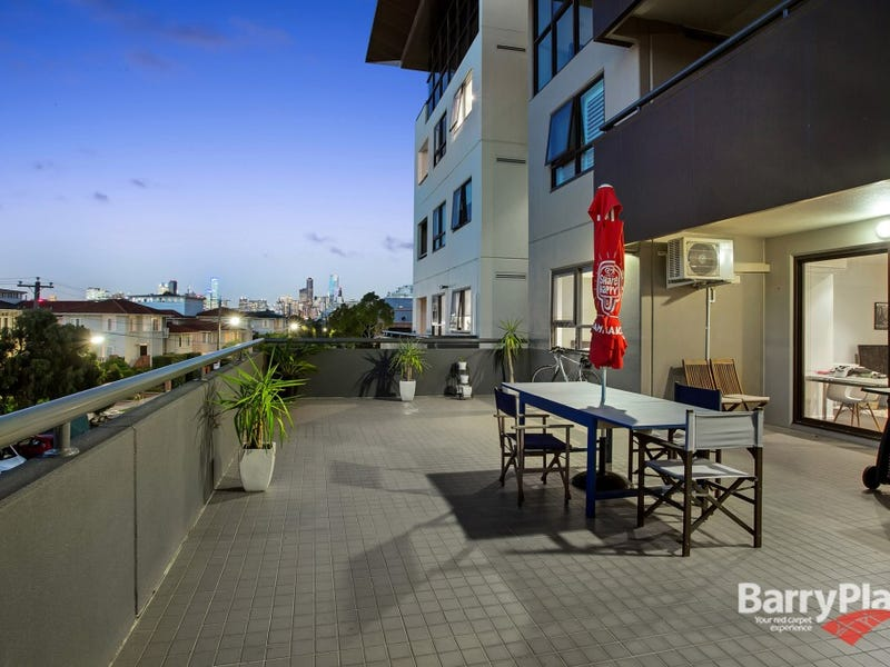 17/174 Esplanade East, Port Melbourne, Vic 3207