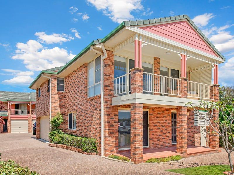 1/8 Bundella Avenue, Lake Cathie, NSW 2445