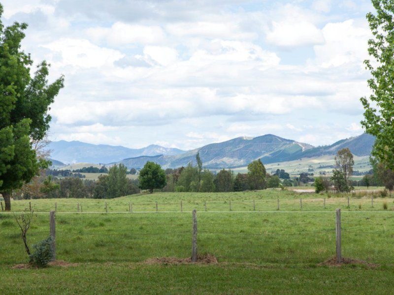110 Tunnel Gap Road, Myrtleford, Vic 3737
