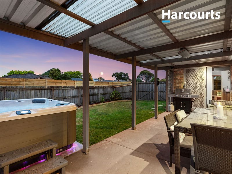 1 Lowther Court, Cranbourne North, Vic 3977