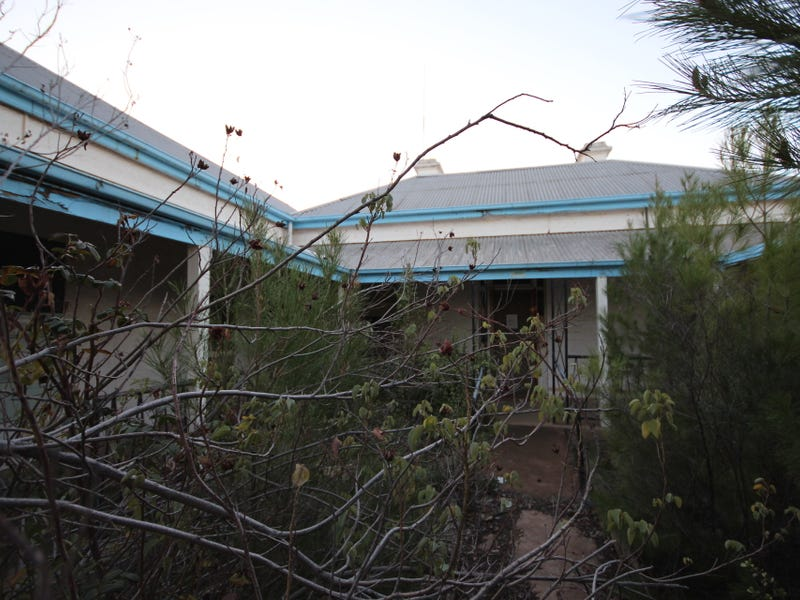 12 First Street, Quorn, SA 5433