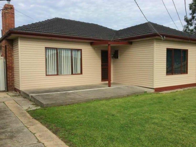 26 Couper Angus Grove, Sunshine, Vic 3020