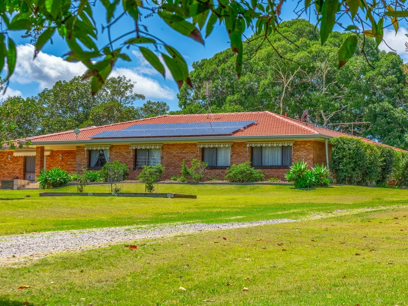 105 Golf Links Road, Woodford Island, NSW 2463
