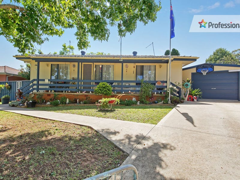 8 Lincluden Place, Airds, NSW 2560