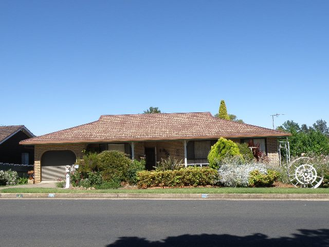 7 Back Creek Road, Young, NSW 2594
