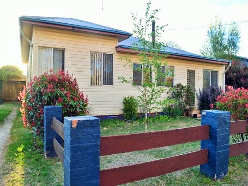 8 Marne Street, Guyra, NSW 2365