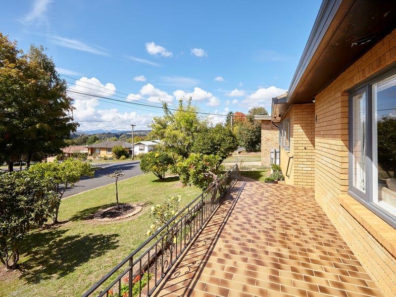 4 Maple Street, Batlow, NSW 2730