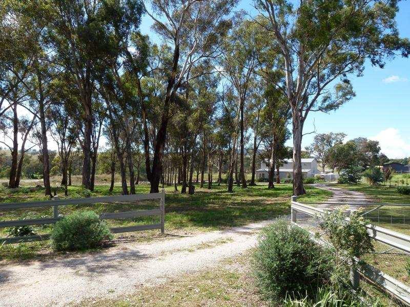 1 Greenslopes Pl, Cargo, NSW 2800