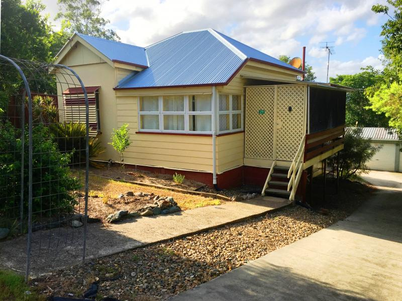 29 Row st, Kilcoy, Qld 4515