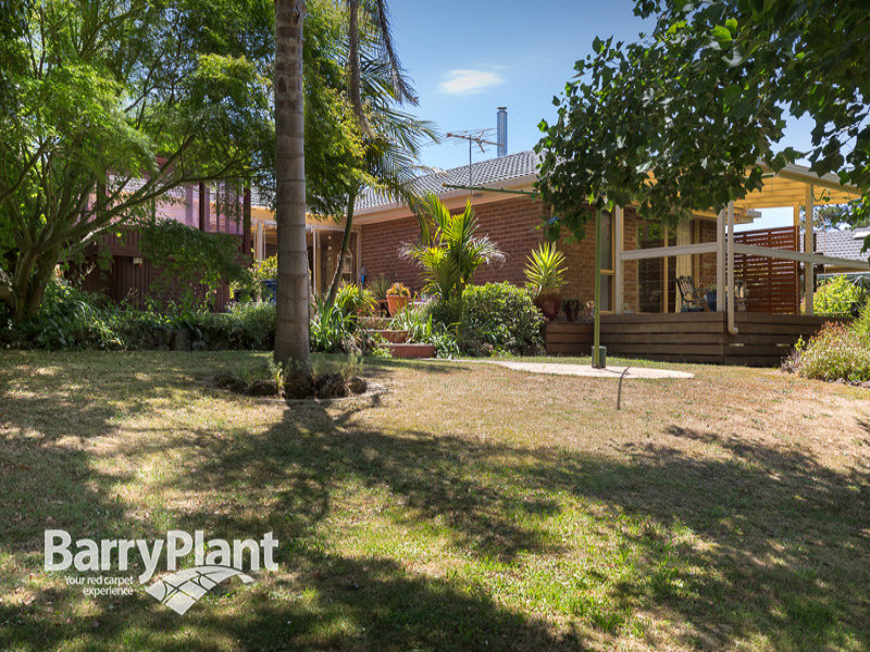 446 Paternoster Road, Mount Burnett, Vic 3781