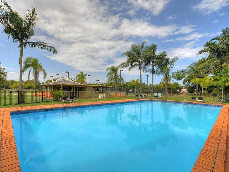 20/11 Fairway Drive, Clear Island Waters, Qld 4226